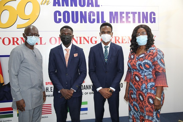 Prof. Kwasi Opoku-Amankwa (left), Director-General of GES, and Mrs Wendy E. Addy-Lamptey (right), Head of the National Office of WAEC, with Mr Godfred Aseda Obeng (2nd left), the 2nd prize winner, and Mr Cecil Tetteh Kumah (2nd right), 1st prize winner of the award. Picture: ESTHER ADJEI